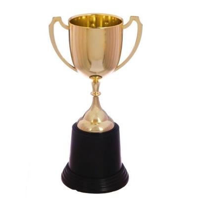 Кубок спортивный пластиковый Золотой