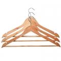 Вешалки для одежды деревянные и текстильные