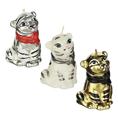 """Свеча парафиновая """"Тигр в шарфе"""", 6,3х6,5х9см, 3 цвета (белый, золото, серебро)"""