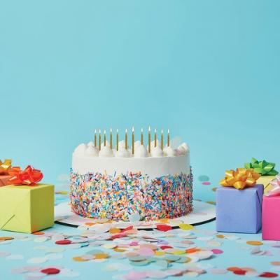 Набор свечей для торта 12 шт., 6 см, с держ., золотой металлик, ЗОЛОТАЯ СКАЗКА, в блистере, 591449