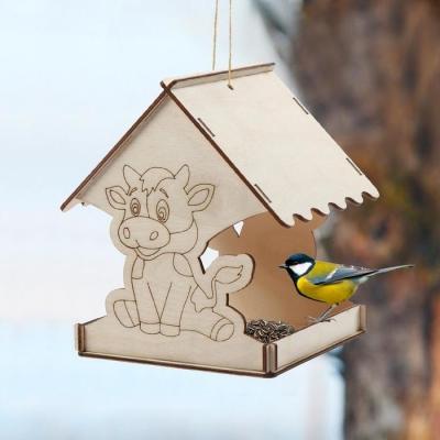Кормушка для птиц «Бык новогодний», 22 × 20 × 22 см